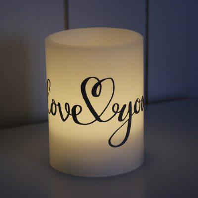 Blockljus LED love you, block, ljus, vinyl, grafisk, design, mamma, mormor, morfar, farfar, mors dag, morsdag, fars dag, farsdag, present, inredning, heminredning, interiör, interior, ruff & stuff, ruff o stuff, ruffostuff