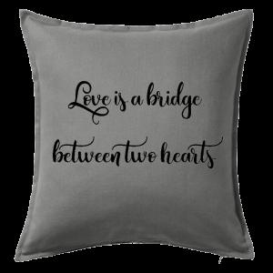 Kuddfodral Love is a bridge between two hearts, dop, födelsedag, present, gåva, dopgåva, doppresent, textiltryck, htv, tryck, textil, kudde, kläder, vinyl, dekal, heminredning, inredning, interiör, interior, ruff & stuff, ruff o stuff, ruffostuff